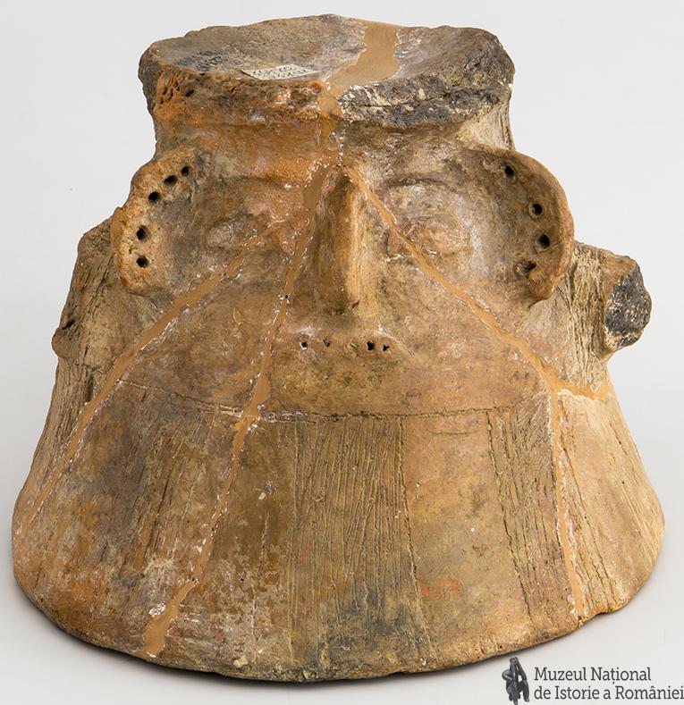 Statuetă antropomorfă_neo-eneolitică_cultura Gumelnița_a doua jum. a mil.V. î.Hr._MNIR